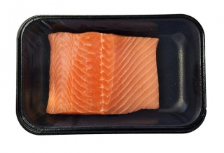 Fresh salmon, fillet, skin on